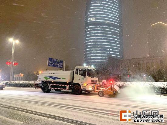 郑州降雪今日中午停止 下周一或再迎雨雪 小心出行