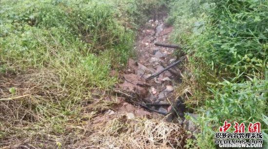污水外排流向沱江。四川省生态环境厅供图