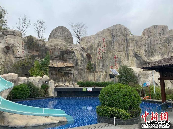 如今,凤翔首邑温泉度假村仍未开业。 受访者供图 摄